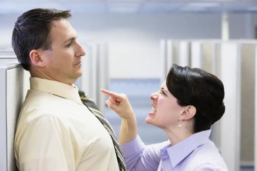 estilo de comunicacion agresivo