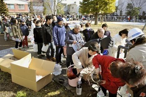 japan-earthquake-2011-3-11-20-30-28
