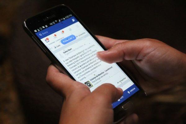 usar-facebook-reduce-bienestar-emocional