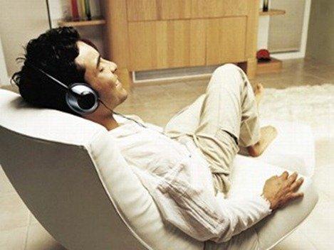 musica-es-droga-echado-escucha-musica-relax_thumb.jpg
